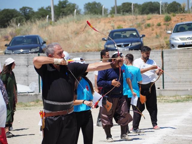 uşakta geleneksel okçuluk yarışması